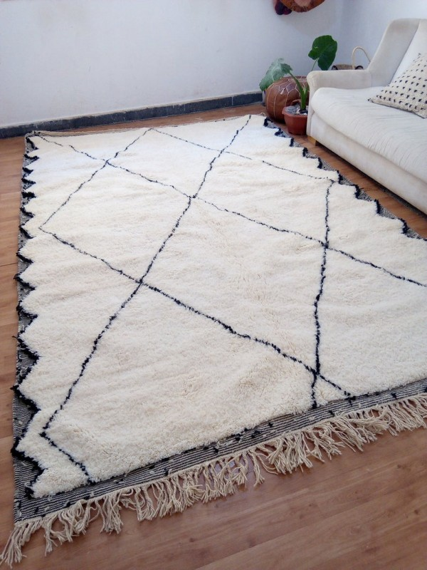 Beautiful Berber carpet - Beni Ourain Tribal Rug Style- Shag Pile - Wool