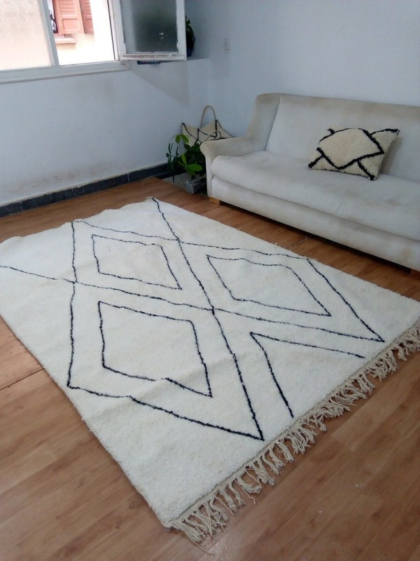 Beni Ourain Style - Moroccan Rug - Black lines - Handmade Carpet - wool