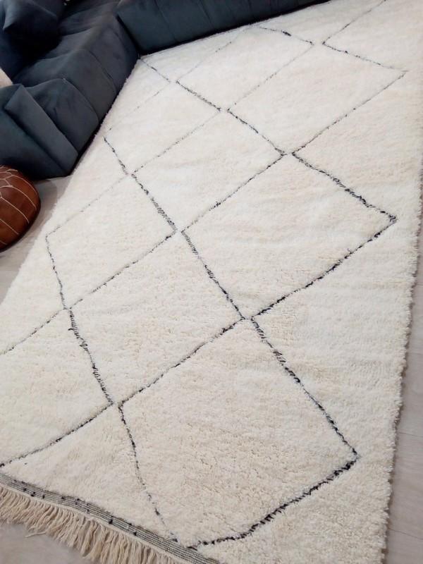 Moroccan Beni Ourain Tribal Rug Style - Diamonds Design - Full Wool