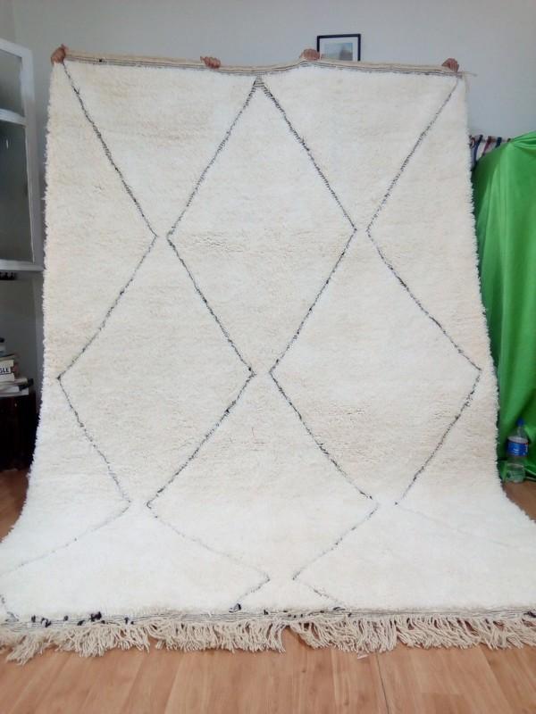 Beni ourain Style - Faded black diamond pattern - Full Wool Rug