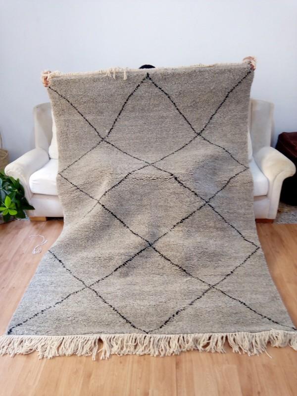 Moroccan hand woven Rug - Full White Gray with Black Diamonds - Full Wool - 200 X 150cm