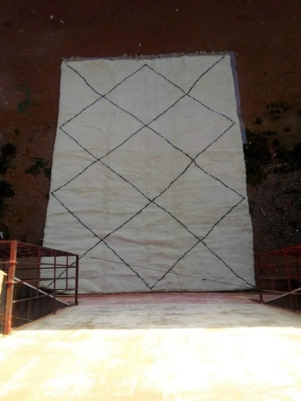 Moroccan Beni Ourain ٍStyle - Tribal Diamonds Rug Berber - Hand Woven Wool - 400 X 300CM