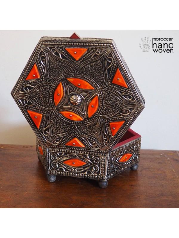 antique box/antique chest