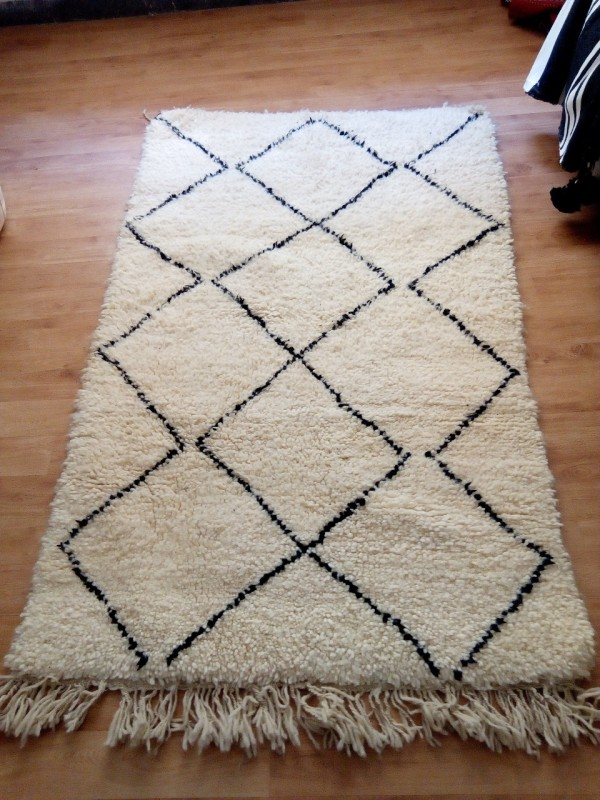 Moroccan carpet - Beni Ourain Tribal Rug - Shag Pile - Natural Wool - 187 X 102cm