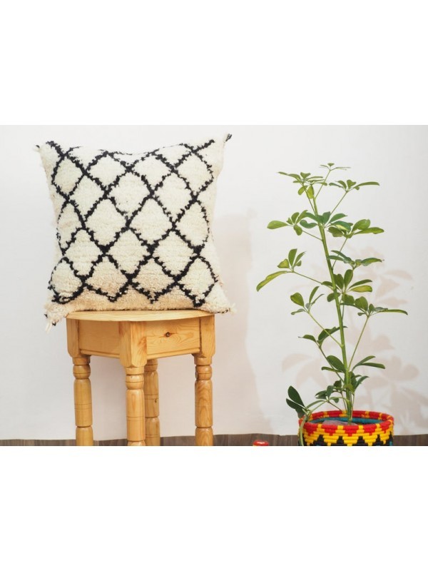Decorative pillow cover / beni ourain berber pillow from Moroccan handmade woven.