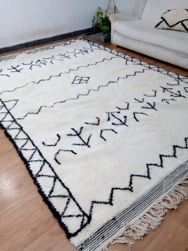 Moroccan Berber handmade Rug - Beni Ourain Style  - Art Design -  Wool - 323 X 220cm approx