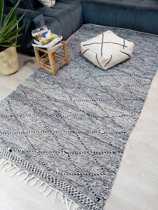 Moroccan zanafi rug berber style Hand Knotted - Full Wool - 268x143 CM