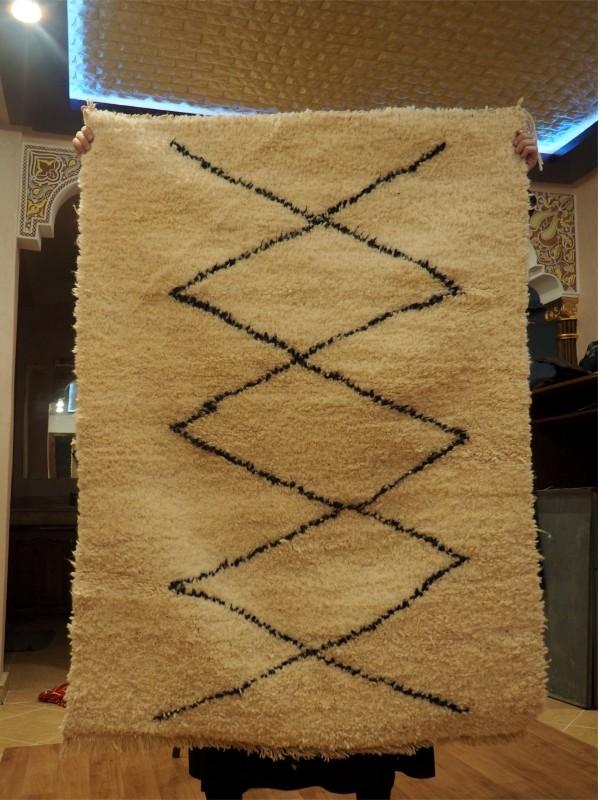 Small Beni Ourain Rug  - Shag Pile - Natural Wool  - 140 X 101cm