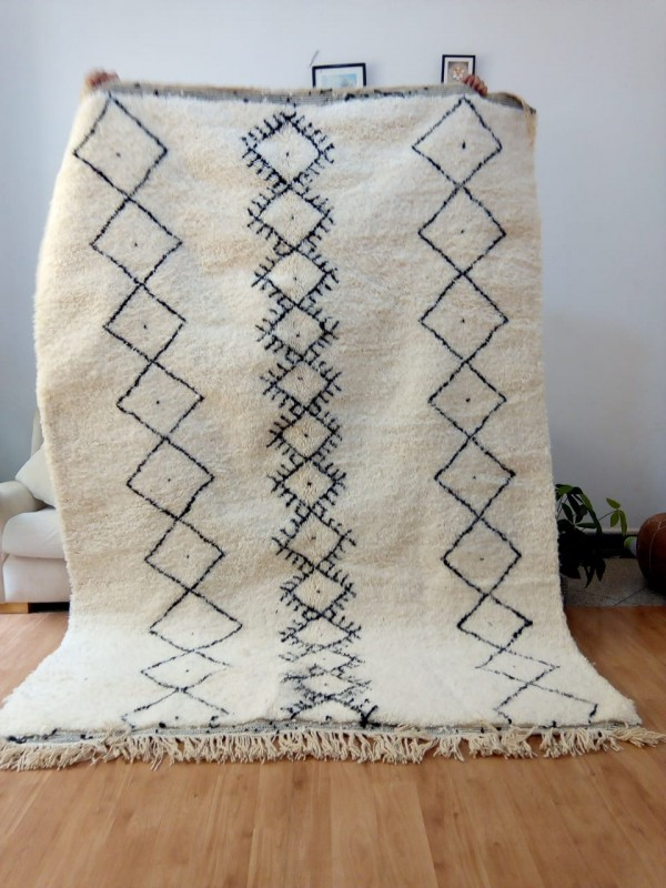 Beni Ourain Style Rug with small Diamond Pattern - Tribal Rug - Full Wool