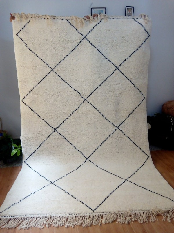 Moroccan Hand Woven carpet - Beni Ourain Style Rug  - Full Wool